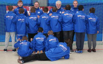D-Junioren: Neue Allwetterjacken für das TEAM
