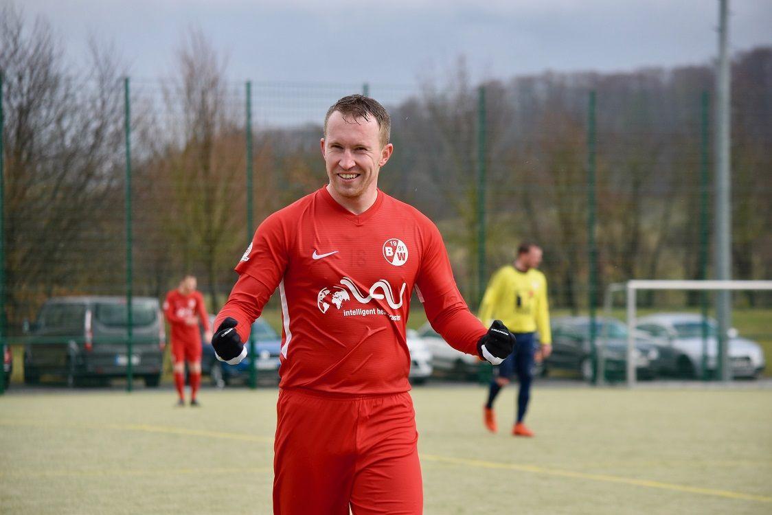 Norman Both nach seinem Treffer zum 0:5 gegen Leinefelde.