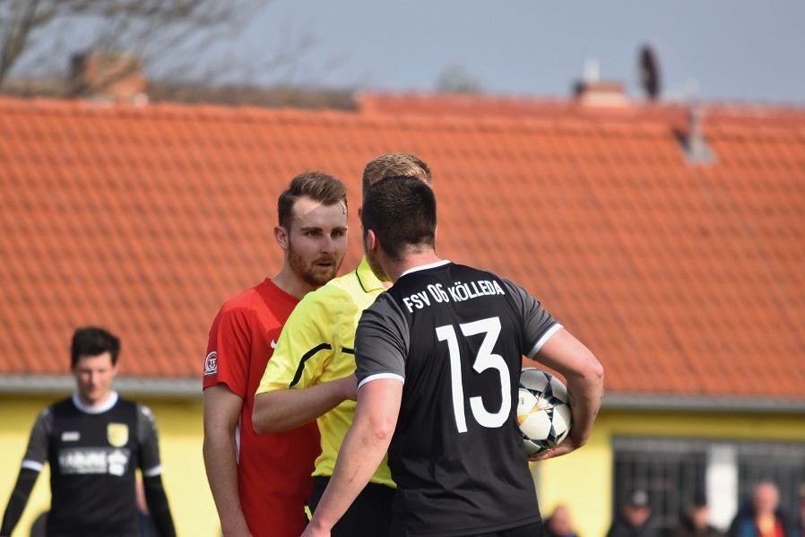 Sebastian Lobodasch (li.) im verbalen Austausch mit Mate Varga (re.)